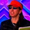 Thí sinh X-Factor UK vô lễ vỗ mông phản ứng giám khảo
