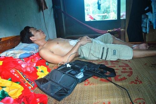 Người duy nhất ở Việt Nam sống nhờ sạc điện vào tim - 2