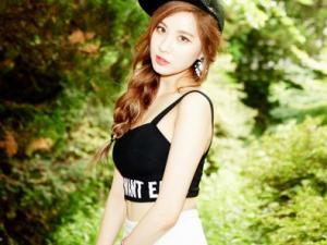 Bộ ảnh trở lại tuyệt đẹp của 3 cô nàng Taetiseo