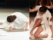 Thời trang - Hồng Quế ngã dúi dụi ngay trên sàn diễn