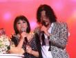 Cẩm Vân rưng rưng nước mắt hát cùng chồng