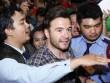 Cựu thủ lĩnh Westlife bất ngờ trước tình cảm fan Việt