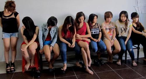 9 'kiều nữ' thuê phòng trọ để sử dụng ma túy   anninhhinhsu