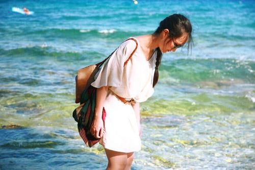 Nữ họa sĩ Việt ấn tượng bởi gu thời trang lãng mạn - 10
