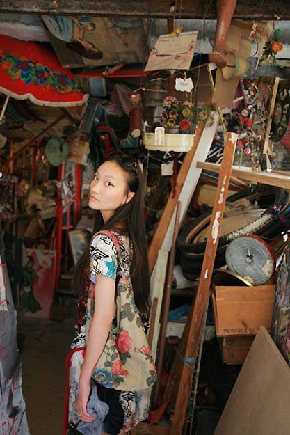 Nữ họa sĩ Việt ấn tượng bởi gu thời trang lãng mạn - 5