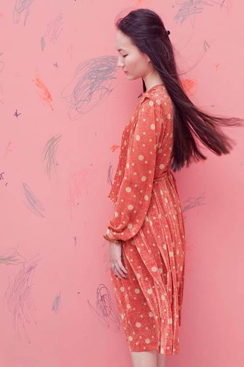 Nữ họa sĩ Việt ấn tượng bởi gu thời trang lãng mạn - 4