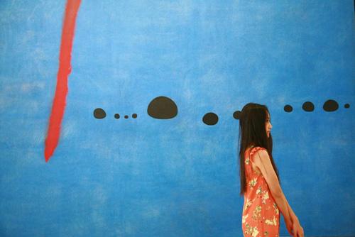 Nữ họa sĩ Việt ấn tượng bởi gu thời trang lãng mạn - 11