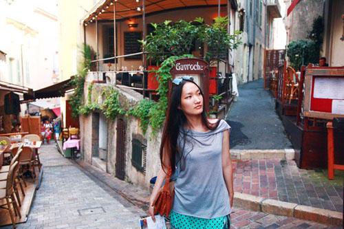 Nữ họa sĩ Việt ấn tượng bởi gu thời trang lãng mạn - 9