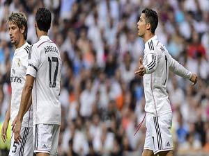 Real trên mép vực: Trảm Casillas và trở lại 4-3-3