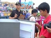 Tin tức trong ngày - Dân đảo Lý Sơn háo hức đón điện lưới quốc gia