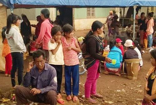 114 người ngộ độc thực phẩm sau khi ăn tại đám tang - 1