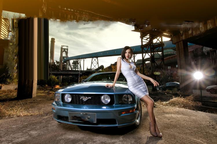 """Chân dài tạo dáng tự tin bên """"ngựa hoang"""" Ford Mustang - 11"""