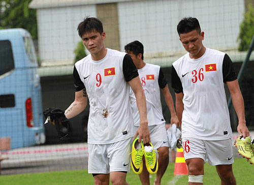 Olympic VN chơi xuất sắc, HLV Miura được khen nhiều - 2