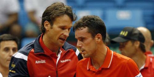 Davis Cup: Cay đắng và vinh quang - 1