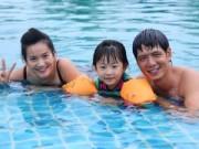 Phim - Gia đình Bình Minh vui vẻ tại bể bơi