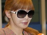 Sau scandal ma túy, Park Bom (2NE1) mặt cứng đơ