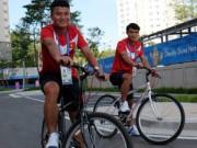Bóng đá - Cầu thủ U23 Việt Nam đạp xe thư giãn