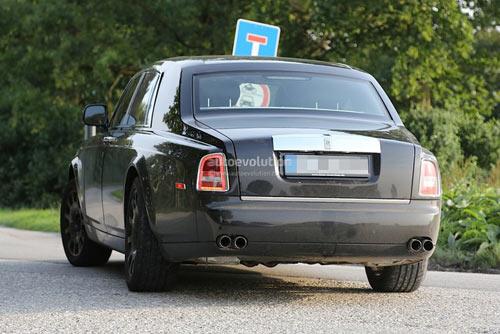 Rolls-Royce Phantom mới hiện nguyên hình - 3
