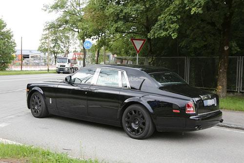 Rolls-Royce Phantom mới hiện nguyên hình - 4