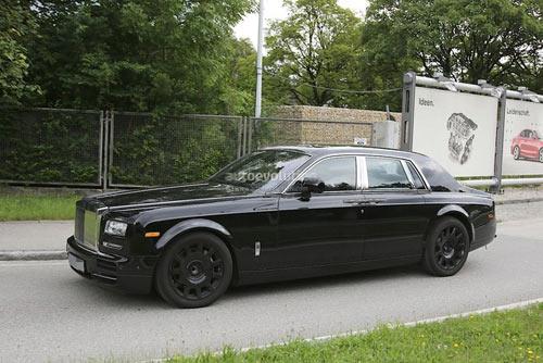 Rolls-Royce Phantom mới hiện nguyên hình - 5
