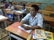 Giáo dục - du học - Chàng trai 22 tuổi học lớp 1 muốn chinh phục tiếng Anh