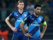 Bóng đá - Arsenal - Wenger bại trận: Đòn đau ngay đầu mùa