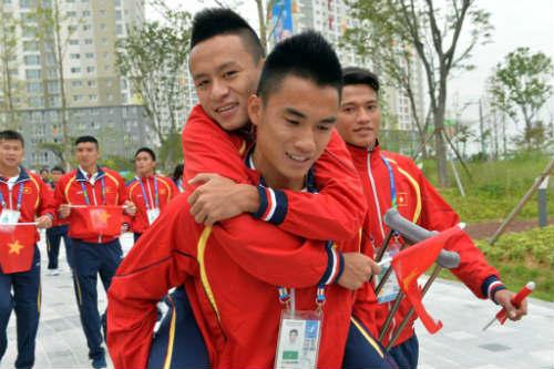 Tuyển thủ U23 Võ Huy Toàn sớm chia tay ASIAD - 1