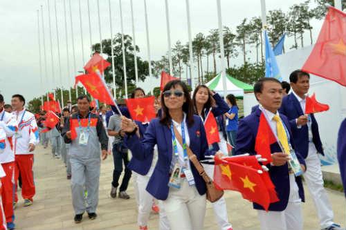 Quốc kỳ Việt Nam tung bay ở ASIAD 17 - 3