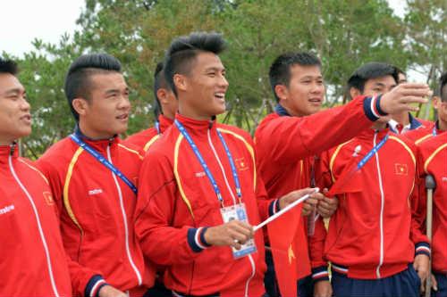 Quốc kỳ Việt Nam tung bay ở ASIAD 17 - 8