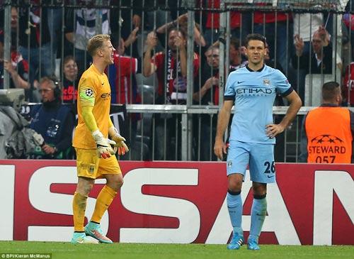 Pep hài lòng về Bayern, Man City bất phục - 2