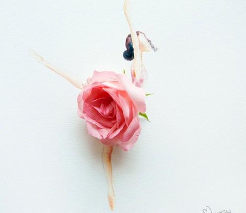 Váy, áo làm từ hoa tươi gây mê hoặc lòng người - 1