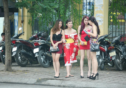 """Thiếu nữ Hà thành khoe """"ngực chuẩn 3kg"""" - 3"""