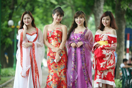 """Thiếu nữ Hà thành khoe """"ngực chuẩn 3kg"""" - 11"""