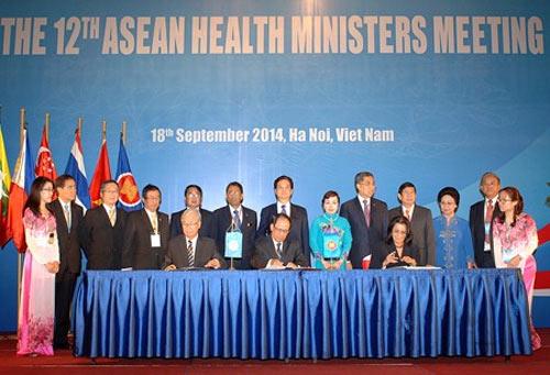 Gần 80% người dân Việt Nam tham gia bảo hiểm y tế - 1