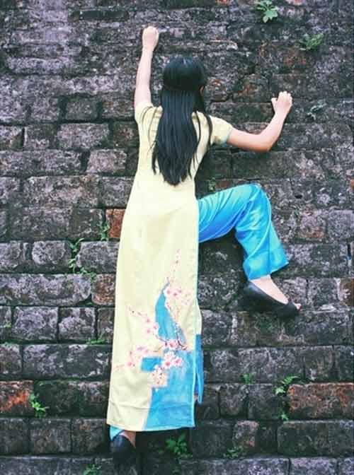 Cô gái duyên dáng trong tà áo dài - 1