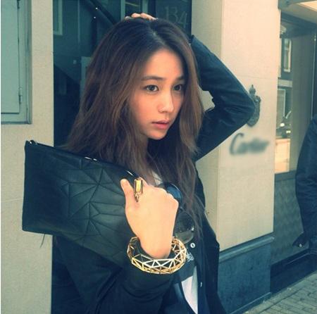Chồng ngoại tình, vợ Lee Byung Hun bỏ về nhà ngoại - 2
