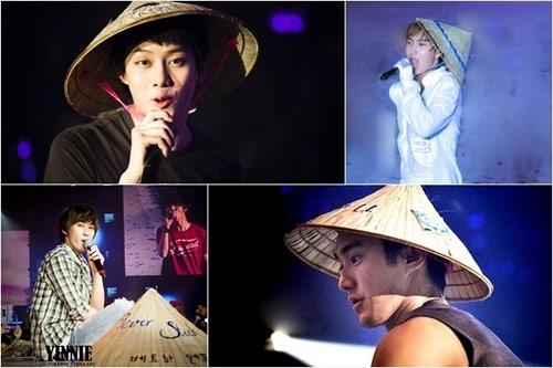 Ngắm sao ngoại đáng yêu diện nón lá, áo dài Việt Nam - 9