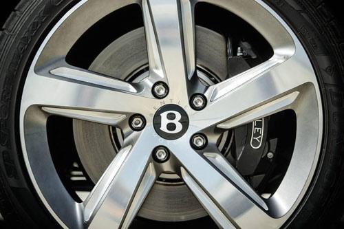 Bentley Mulsanne Speed: Sang trọng và mạnh mẽ - 9