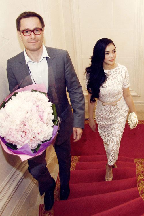 Dấu ấn của sao Việt tại tuần lễ thời trang thế giới - 12