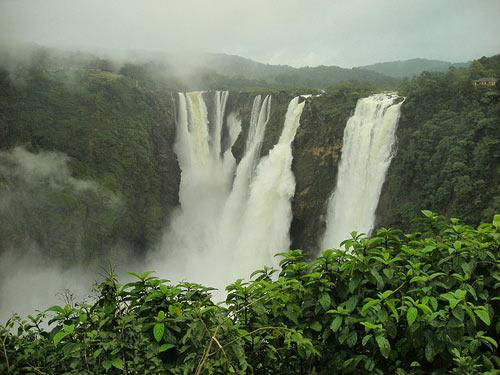 Bản Giốc vào top 10 thác nước hùng vĩ nhất thế giới - 1