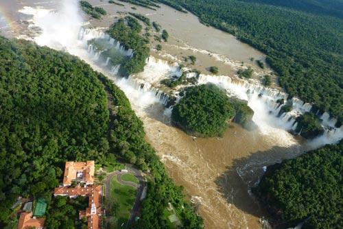 Bản Giốc vào top 10 thác nước hùng vĩ nhất thế giới - 10