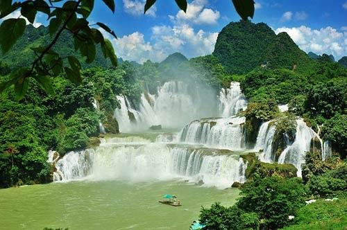 Bản Giốc vào top 10 thác nước hùng vĩ nhất thế giới - 4