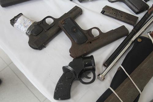 Giật mình xem kho vũ khí do Cảnh sát 141 Hà Nội thu giữ - 3