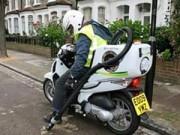 Ô tô - Xe máy - Honda SH được dùng làm xe dọn vệ sinh ở Anh
