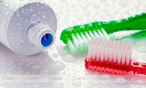 Bộ Y tế bác tin kem đánh răng chứa chất gây ung thư - 1