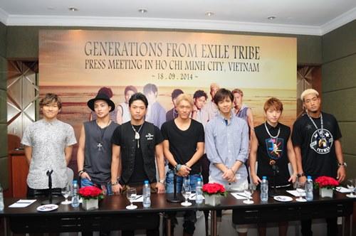 Nhóm nhạc mỹ nam Nhật háo hức biểu diễn tại Việt Nam - 2