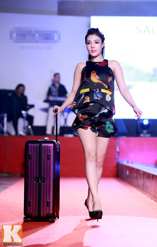 Trần Mạnh Tuấn khoe chiếc vali dùng 21 năm - 8