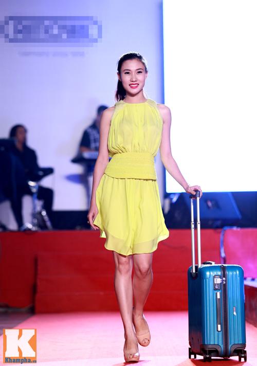 Trần Mạnh Tuấn khoe chiếc vali dùng 21 năm - 11