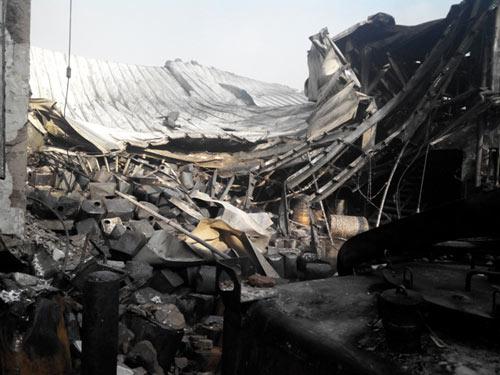 Công ty mực in Nhật Bản hoang tàn sau hỏa hoạn - 3