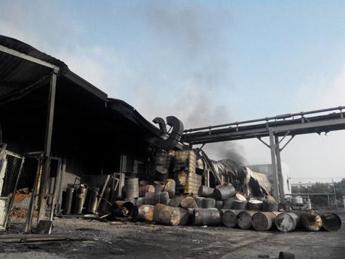 Công ty mực in Nhật Bản hoang tàn sau hỏa hoạn - 5
